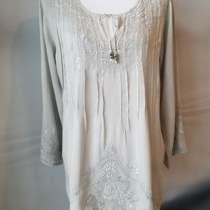 Solitaire soft gray embroidered tunic dress